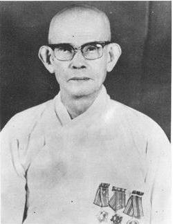 cuoc-bao-loan-ban-phat-tai-mien-trung-mua-he-1966